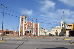 Aseguran que el cura chileno acusado de abuso sexual ya no está en Santa Fe - La parroquia Nuestra Señora del Tránsito, donde estuvo al menos el jueves. Dicen que allí fue trasladado, pero en la institución católica lo desmienten.