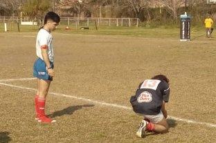 Un árbitro de rugby santafesino cedió sus botines para que un juvenil pueda jugar -  -