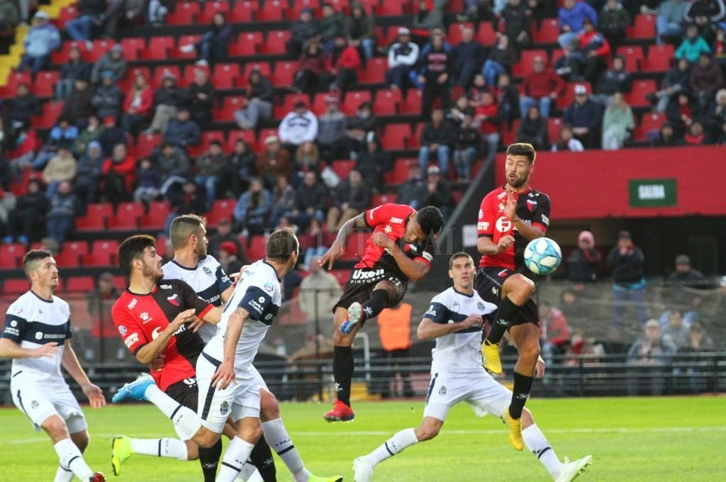 Con gol de Morelo, Colón le gana a Gimnasia -  -