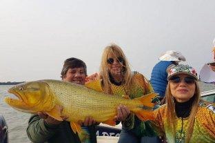 Fiesta Nacional del Dorado: una pescadora correntina se quedó con el trofeo