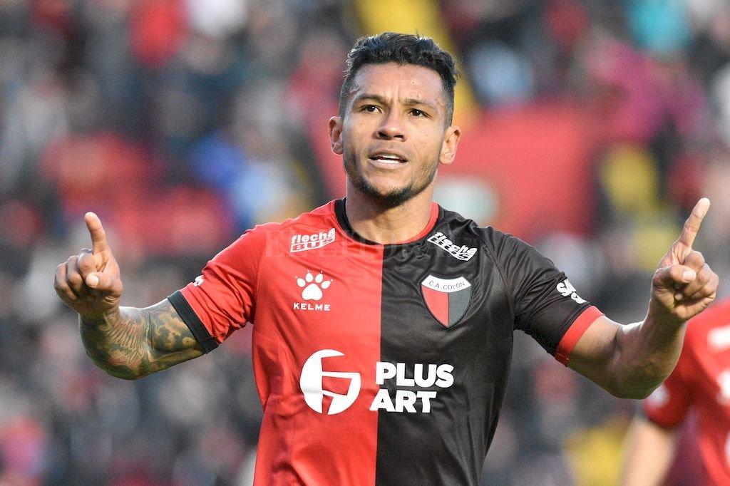 Colón ganó un partido de seis puntos - Wilson Morelo -