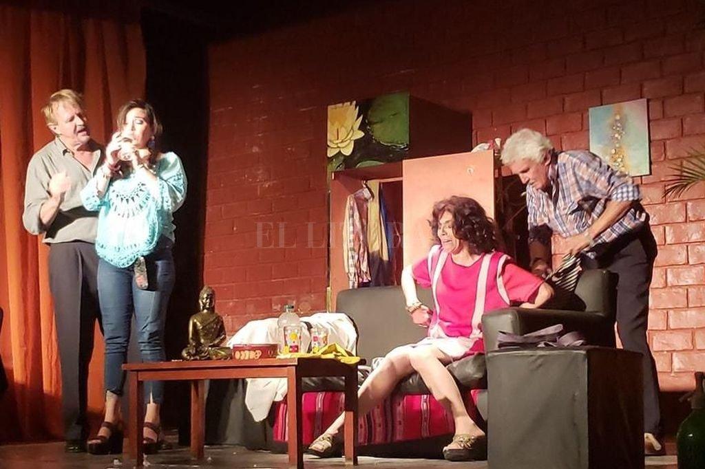 """La comedia """"Tailandia"""" está integrada por un elenco de San Cristóbal, que trabaja desde hace más de una década. <strong>Foto:</strong> Gentileza producción"""