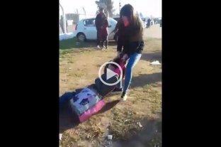 Video: mujeres a las trompadas en la cola de visitas de la cárcel de Piñero -  -