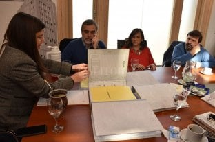 El municipio entregó información de su gestión al equipo de Jatón -