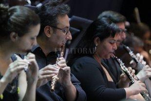 La Sinfónica de Santa Fe va al Colón  - Los músicos de la Sinfónica santafesina asumirán el desafío de actuar en uno de los teatros más conocidos de Argentina y de Latinoamérica. -