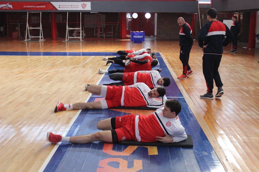 El plantel tatengue realizó trabajos físicos en el primer día de pretemporada. <strong>Foto:</strong> Prensa Unión