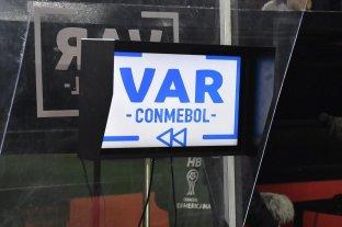 Por la crisis económica se demora la llegada del VAR al país