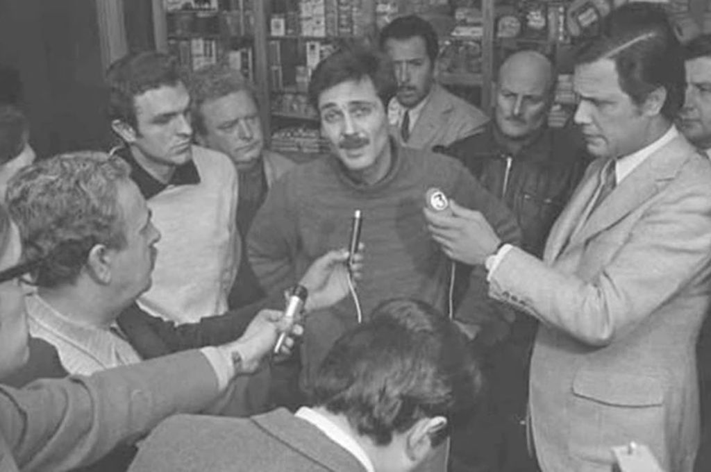 Guerrilleros en el aeropuerto antes de ser fusilados <strong>Foto:</strong> Gentileza