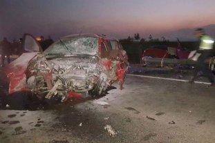 Cuatro docentes murieron en un choque frontal en Tucumán - Así quedó el coche. -
