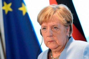 Merkel espera que G7 dé una señal contra incendios en Amazonas