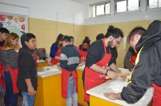 Más de 3500 jóvenes se capacitan en oficios en la ciudad de Santa Fe