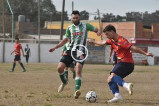 """La ilusión está intacta - Manda el """"Colegio"""". Ateneo sigue siendo el líder del torneo Clausura. -"""