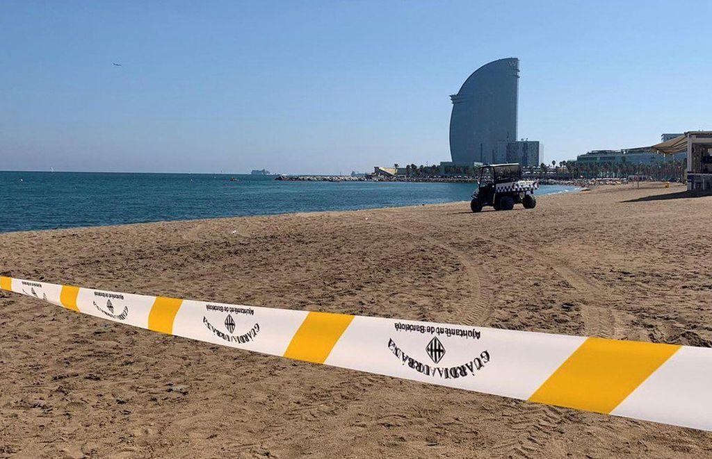 La Armada, en Barcelona para desactivar la bomba de la playa