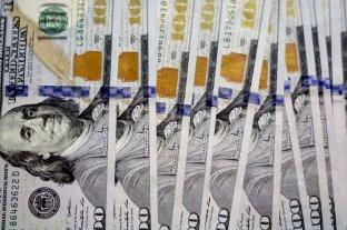 El dólar retrocedió 43 centavos a $ 58,06
