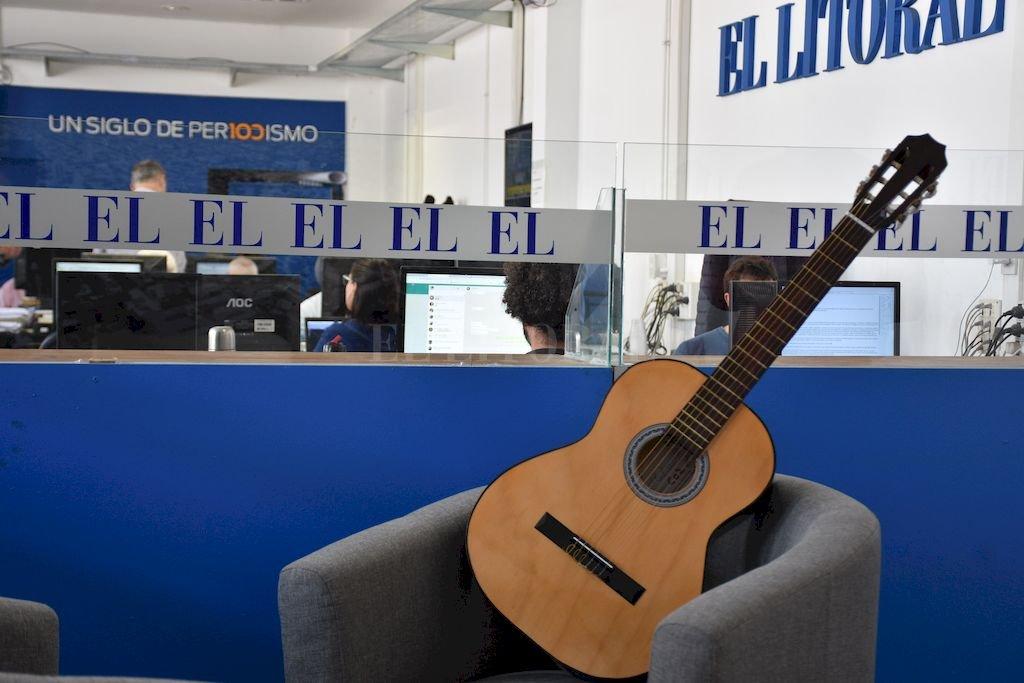 La guitarra para Nahuel Crédito: Flavio Raina
