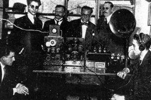 Hace 99 años cuatro argentinos realizaban la primer transmisión radiofónica