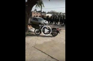 """Video: policía de Santa Fe cantando """"venimos a matar"""""""