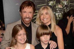Chuck Norris anunció su retiro