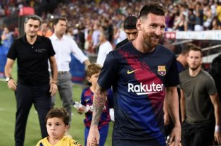 Lo cuidan a Messi
