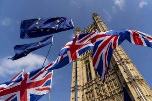 La libra se desploma ante la suspensión del Parlamento británico