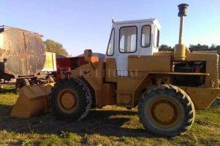 Usaron una grúa para robarse una máquina cargadora de más de 3.500 kilos