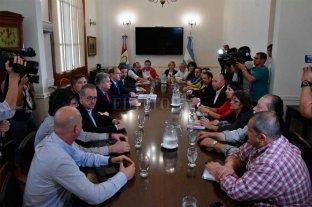 Gobierno y gremios se reúnen en paritarias