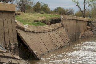 Repararán la defensa de la toma de agua de Colastiné Norte