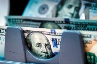El dólar anotó la octava suba consecutiva y el blue se disparó $ 3 -  -