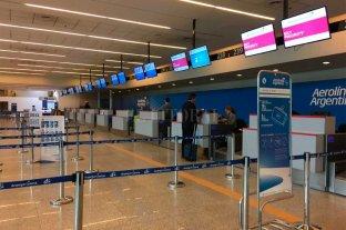 Restricciones al dólar: ¿cómo afecta a quienes viajen al exterior?