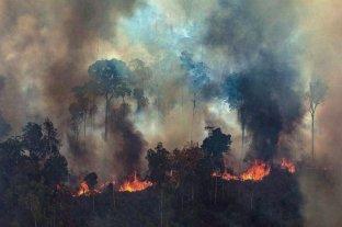 Dos personas murieron al combatir los incendios forestales en Bolivia