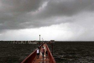Dorian bajó a categoría 3 y va rumbo a la costa de Estados Unidos