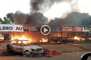 Cinco muertos y un centenar de detenidos por disturbios y saqueos en Sudáfrica