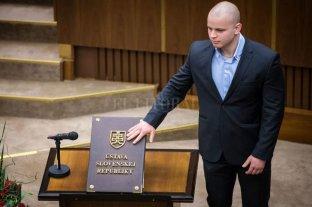 Eslovaquia: echan del Parlamento a un diputado ultraderechista por declaraciones racistas