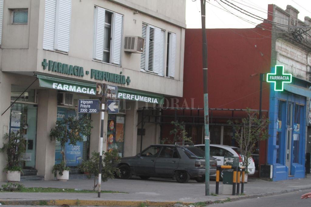 Las 24 horas. Cada día hay entre 12 y 14 farmacias de turno en toda la ciudad.  <strong>Foto:</strong> Manuel Fabatía / Archivo