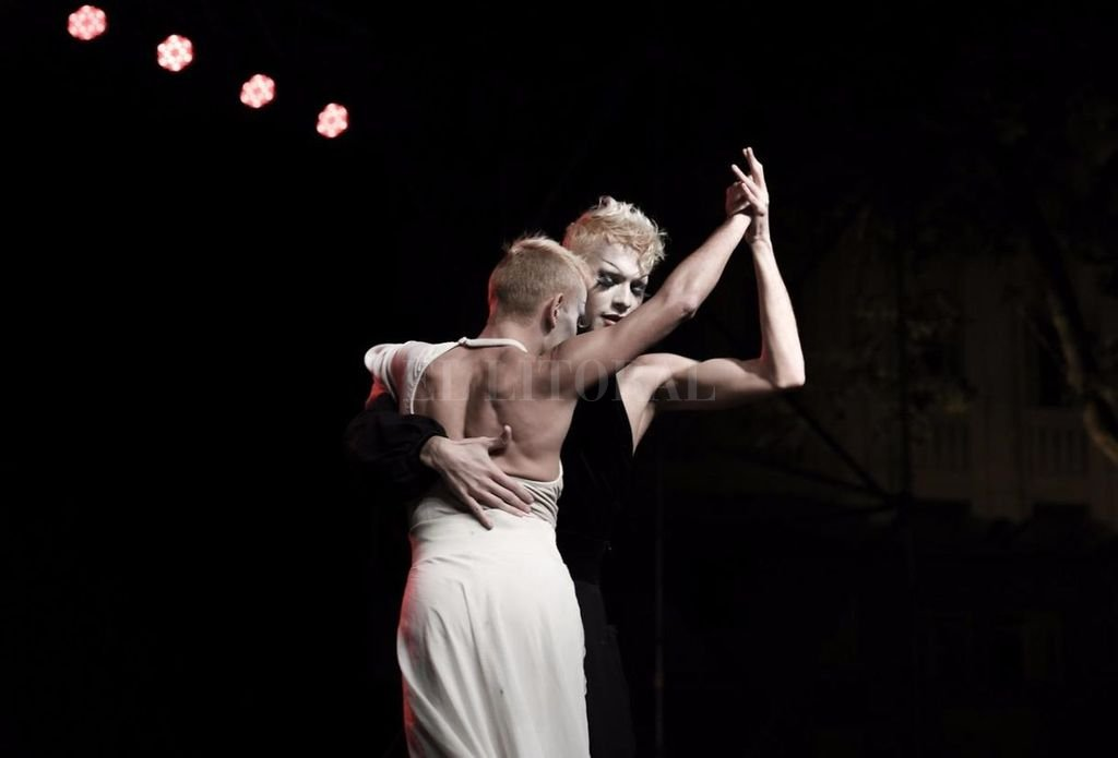 Ramírez integró junto a Daniel Arroyo Miranda la primera pareja del mismo sexo en participar del  Mundial de Tango. <strong>Foto:</strong> Gentileza del artista