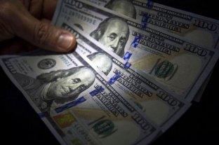 Por el cepo y la crisis, se derrumbó la venta de dólares en enero