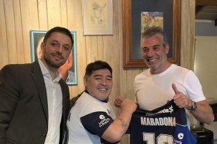 Diego Maradona es el nuevo entrenador de Gimnasia y Esgrima La Plata