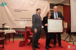 Premiaron a Magdalena Ruiz Guiñazú por su defensa de los derechos humanos