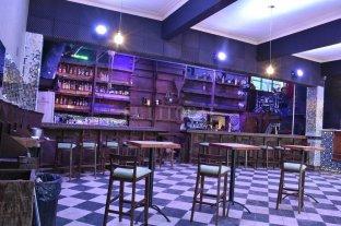Abre un nuevo bar en el Club Náutico Azopardo