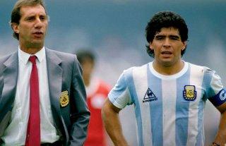 Estudiantes también saludó a Maradona