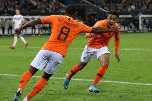 Holanda dejó sin invicto a Alemania con un triunfo clave