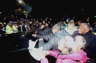 Manifestantes de ATE agredieron al intendente de Mendoza