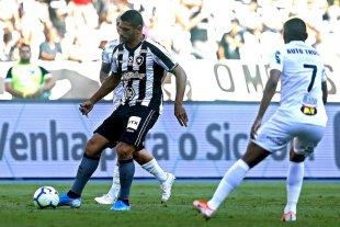 Mineiro en caída: cuarta derrota en el Brasileirao
