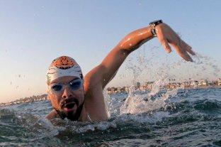 El nadador argentino Matías Ola abandonó por hipotermia el intento de cruce del Canal de la Mancha