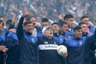 Maradona comienza a definir el once de Gimnasia que enfrentará a Racing