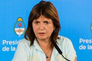 La ministra Bullrich tiene dos versiones sobre el ataque al jefe de la PFA
