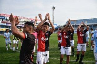 Colón se mide con Atlético Tucumán por un lugar en cuartos de final