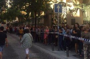 Largas filas para despedir a Camilo Sesto