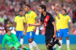 Perú sorprendió a Brasil y le ganó por la mínima diferencia