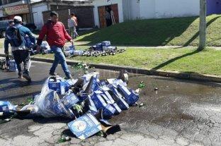 Paraná: un distribuidor de fernet volcó parte de su carga